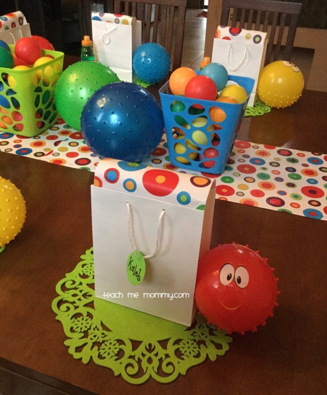 Simple Decorations But Bright And Cheery For My 2 Year Old Boys Birthday Party